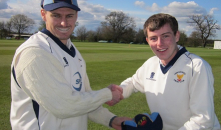 Nightingale Spins, Commins Shows Class